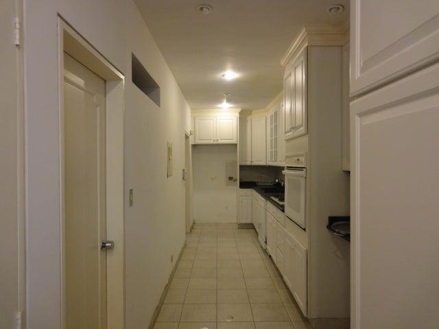 Apartamento Distrito Metropolitano>Caracas>Las Esmeraldas - Venta:158.872.000.000 Precio Referencial - codigo: 14-2016