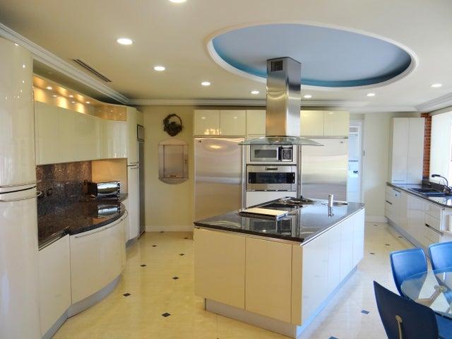 Apartamento Distrito Metropolitano>Caracas>Los Samanes - Venta:259.424.000.000 Bolivares Fuertes - codigo: 14-2384