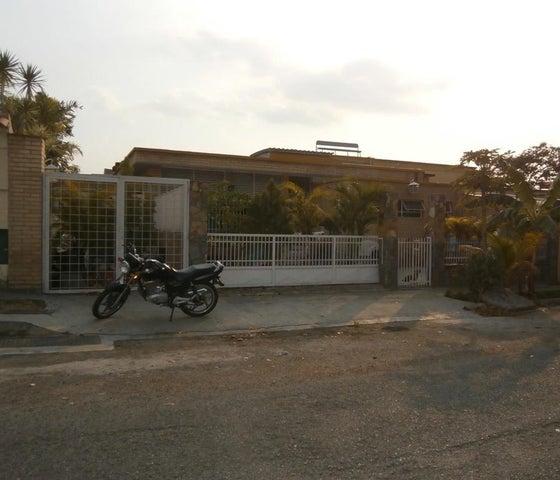 Casa Distrito Metropolitano>Caracas>Santa Cecilia - Venta:73.315.000.000 Bolivares - codigo: 14-3034