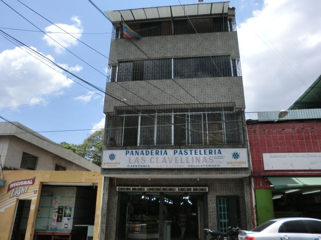 Negocios y Empresas Miranda>Caucagua>Av General Miguel Acevedo - Venta:0 Bolivares - codigo: 14-3122