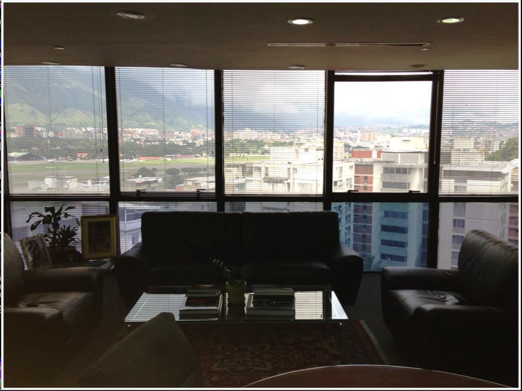 Oficina Distrito Metropolitano>Caracas>Chuao - Venta:147.106.000.000 Bolivares Fuertes - codigo: 14-3220