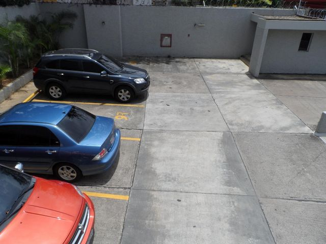Apartamento Distrito Metropolitano>Caracas>Lomas de La Trinidad - Venta:1.093.954.000.000  - codigo: 14-3418