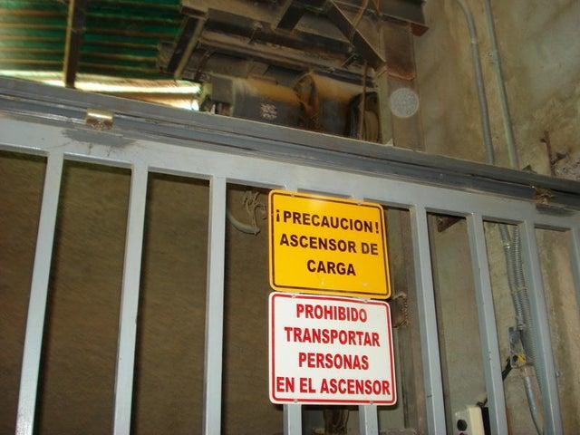 Negocios y Empresas Distrito Metropolitano>Caracas>Mariche - Venta:157.130.066.000.000 Bolivares - codigo: 14-3495