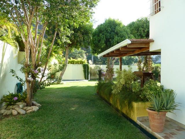 Casa Distrito Metropolitano>Caracas>Macaracuay - Venta:117.501.000.000 Bolivares - codigo: 14-3906