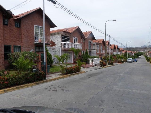 Casa Miranda>Guatire>El Castillejo - Venta:29.375.000.000 Bolivares Fuertes - codigo: 14-3979