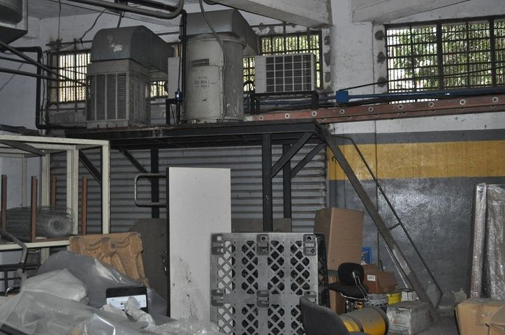Local Comercial Distrito Metropolitano>Caracas>Parroquia La Candelaria - Venta:1.458.495.000.000 Precio Referencial - codigo: 14-4029