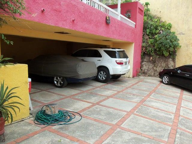 Casa Carabobo>Municipio Naguanagua>La Entrada - Venta:5.600.000.000 Bolivares - codigo: 14-4215
