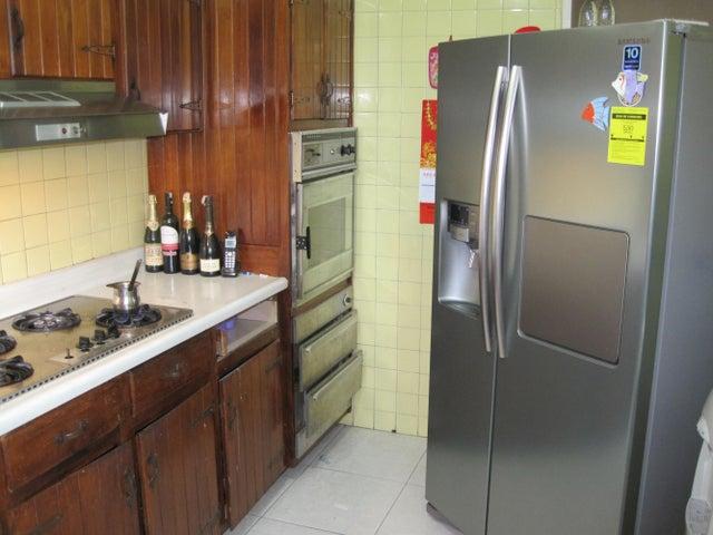 Apartamento Distrito Metropolitano>Caracas>Los Palos Grandes - Venta:82.613.000.000 Precio Referencial - codigo: 14-4249