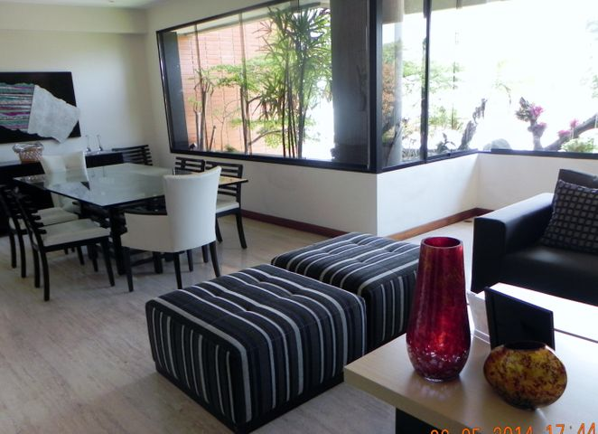 Apartamento Distrito Metropolitano>Caracas>Los Chorros - Venta:307.772.000.000 Precio Referencial - codigo: 14-4440