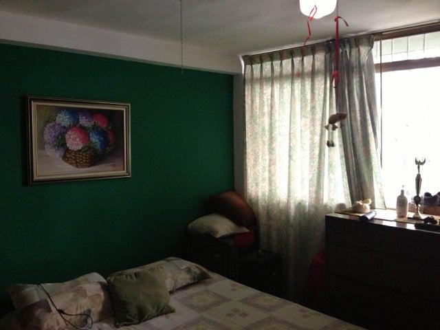 Apartamento Distrito Metropolitano>Caracas>Colinas de Los Chaguaramos - Venta:47.661.000.000 Precio Referencial - codigo: 14-4561