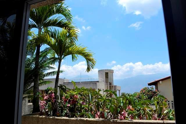 Casa Distrito Metropolitano>Caracas>Los Naranjos del Cafetal - Venta:2.329.554.000.000 Precio Referencial - codigo: 14-5216