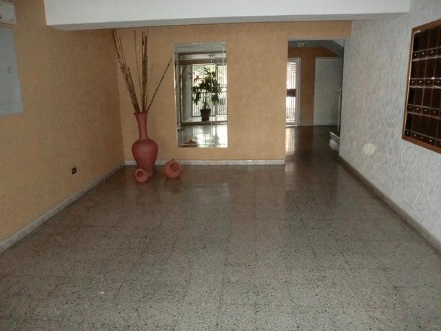 Apartamento Distrito Metropolitano>Caracas>La Urbina - Venta:11.515.000.000 Bolivares Fuertes - codigo: 14-4988