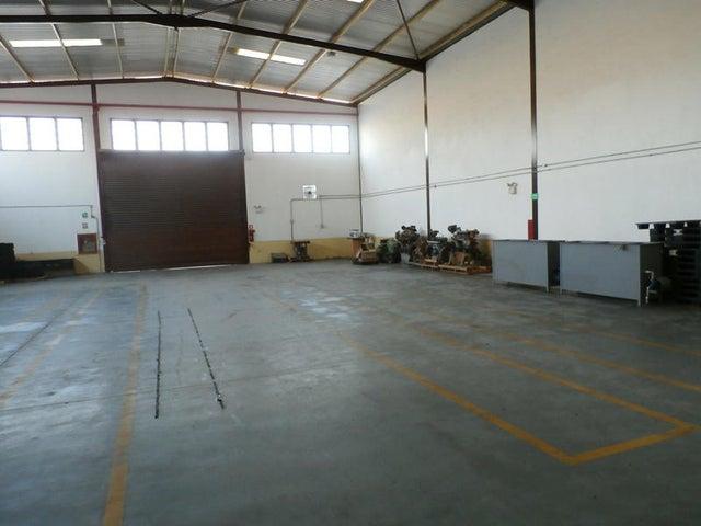 Local Comercial Carabobo>Municipio San Diego>Parque Industrial Castillito - Venta:2.708.478.000.000 Precio Referencial - codigo: 14-5093