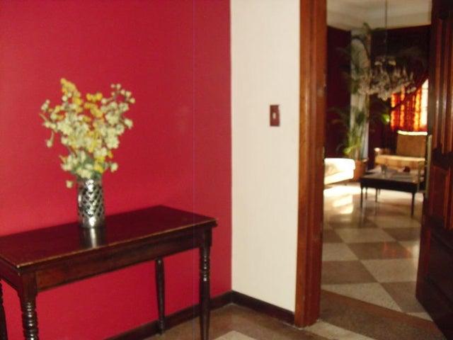 Apartamento Distrito Metropolitano>Caracas>Las Mercedes - Venta:263.324.000.000  - codigo: 14-5475