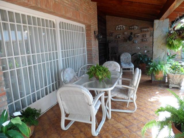 Casa Distrito Metropolitano>Caracas>Los Naranjos del Cafetal - Venta:400.000 Precio Referencial - codigo: 14-5968