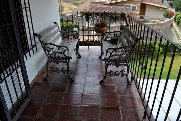 Casa Distrito Metropolitano>Caracas>El Hatillo - Venta:305.363.000.000 Precio Referencial - codigo: 14-6087