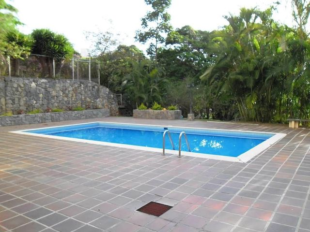 Apartamento Distrito Metropolitano>Caracas>El Peñon - Venta:37.013.000.000 Bolivares Fuertes - codigo: 14-6158