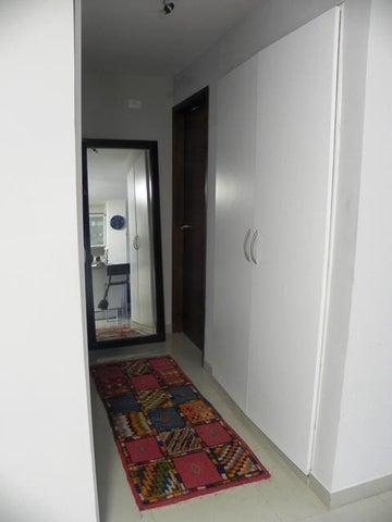 Apartamento Distrito Metropolitano>Caracas>La Boyera - Venta:82.448.000.000 Precio Referencial - codigo: 14-6186