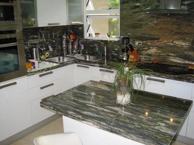 Apartamento Distrito Metropolitano>Caracas>Oripoto - Venta:91.609.000.000 Precio Referencial - codigo: 14-6225