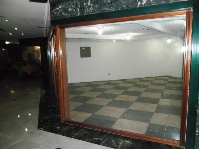 Local Comercial Distrito Metropolitano>Caracas>La Castellana - Venta:145.466.000.000 Precio Referencial - codigo: 14-6376
