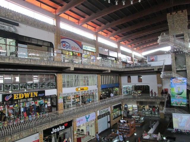 Local Comercial Miranda>San Antonio de los Altos>La Rosaleda - Venta:15.011.000.000 Bolivares - codigo: 14-6498