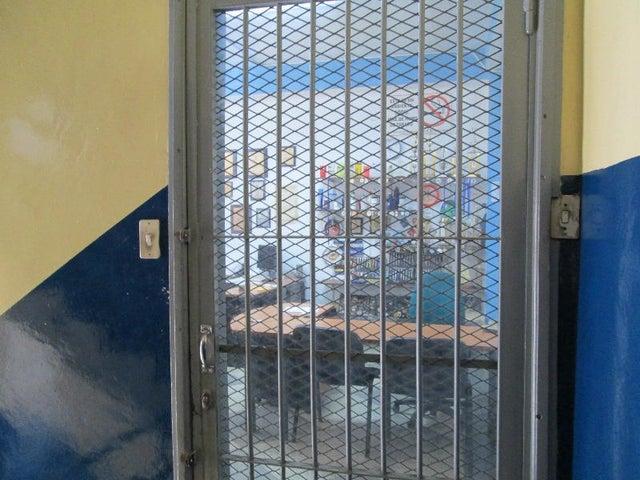 Edificio Distrito Metropolitano>Caracas>Parroquia Altagracia - Venta:378.153.000.000 Precio Referencial - codigo: 14-6780