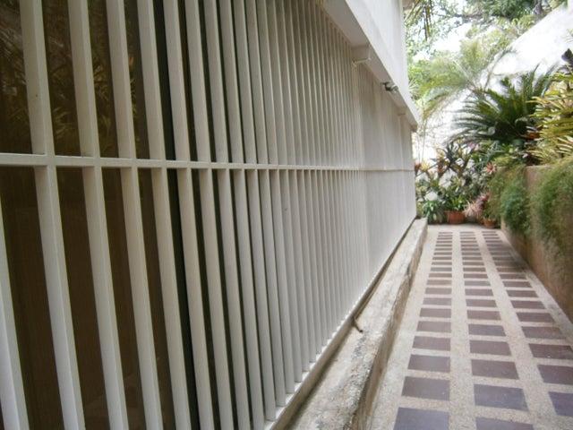 Casa Distrito Metropolitano>Caracas>Macaracuay - Venta:104.727.000.000 Bolivares - codigo: 14-6661