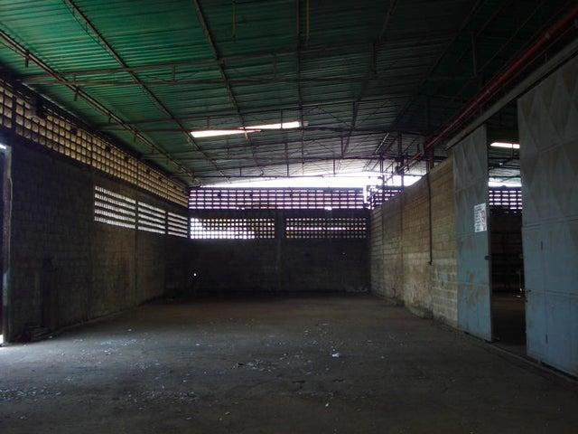 Galpon - Deposito Zulia>Maracaibo>Kilometro 4 - Alquiler:35.000.000 Bolivares - codigo: 14-6917