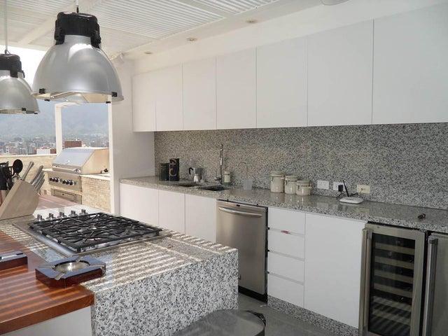 Apartamento Distrito Metropolitano>Caracas>San Roman - Alquiler:2.245.000.000 Precio Referencial - codigo: 14-7234