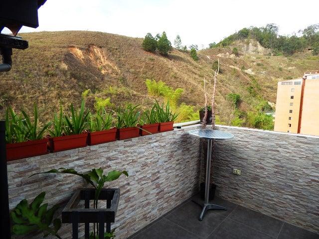 Apartamento Distrito Metropolitano>Caracas>Colinas de La Tahona - Venta:26.995.000.000 Bolivares Fuertes - codigo: 14-7238