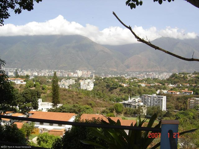 Casa Distrito Metropolitano>Caracas>Santa Paula - Venta:457.550.000.000 Precio Referencial - codigo: 14-7270