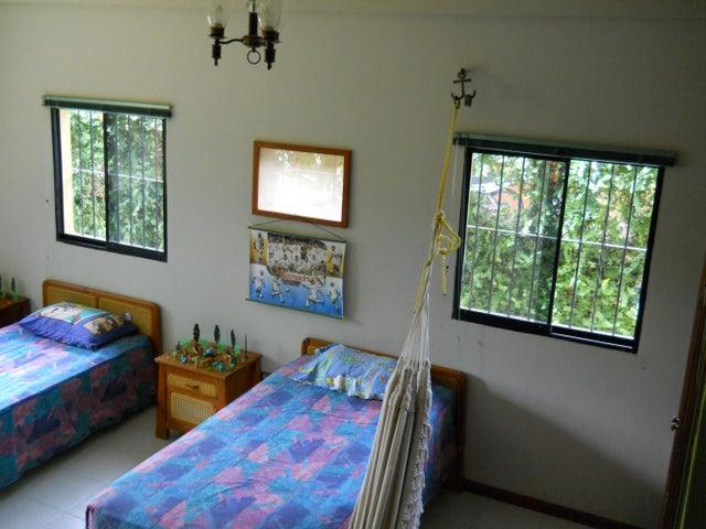 Casa Miranda>Rio Chico>San José - Venta:9.161.000.000 Precio Referencial - codigo: 14-7272