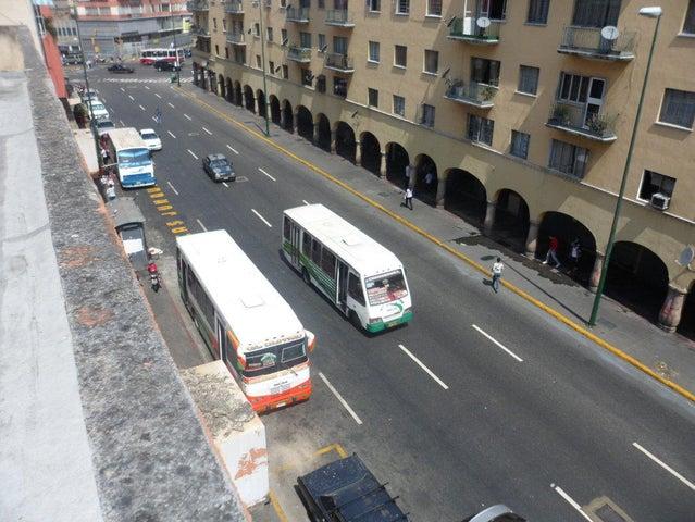 Edificio Distrito Metropolitano>Caracas>Parroquia Santa Teresa - Venta:248.949.000.000 Bolivares - codigo: 14-7316