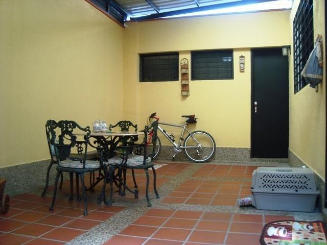 Casa Distrito Metropolitano>Caracas>Santa Eduvigis - Venta:274.827.000.000 Precio Referencial - codigo: 14-7305