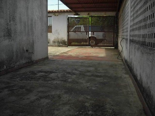 Townhouse Miranda>Rio Chico>Los Canales de Rio Chico - Venta:11.493.000.000 Precio Referencial - codigo: 14-7593
