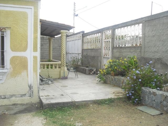 Casa Miranda>Santa Teresa>Las Carolinas - Venta:9.772.000.000 Precio Referencial - codigo: 14-7627