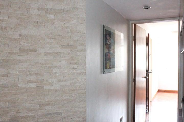 Apartamento Distrito Metropolitano>Caracas>La Campiña - Venta:50.123.000.000 Precio Referencial - codigo: 14-7655