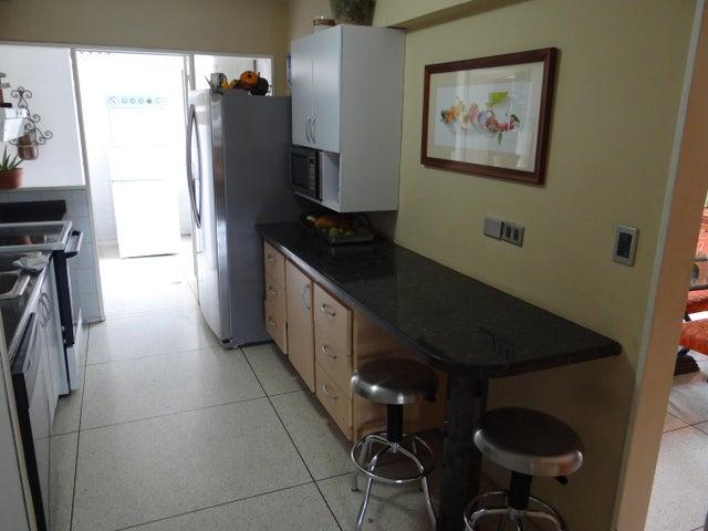 Apartamento Distrito Metropolitano>Caracas>Chuao - Venta:42.724.000.000 Bolivares Fuertes - codigo: 14-7691