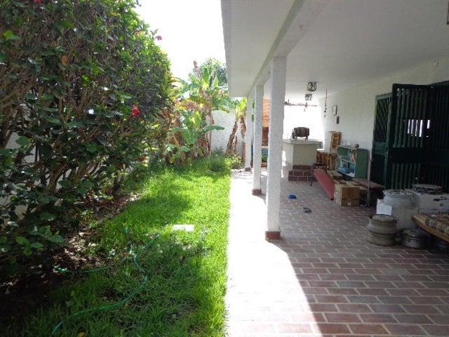Casa Distrito Metropolitano>Caracas>La Lagunita Country Club - Venta:83.738.000.000 Bolivares - codigo: 14-7739