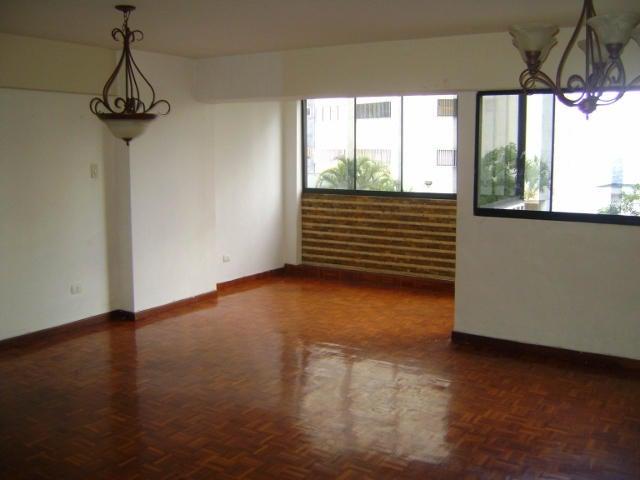 Apartamento Distrito Metropolitano>Caracas>Lomas de Prados del Este - Venta:13.535.000.000 Bolivares Fuertes - codigo: 14-7882