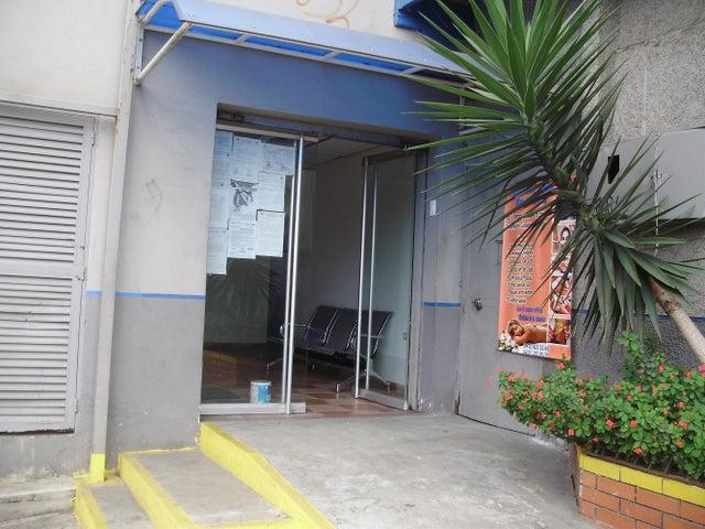 Oficina Miranda>Los Teques>Municipio Guaicaipuro - Alquiler:5.000.000 Bolivares Fuertes - codigo: 14-7921