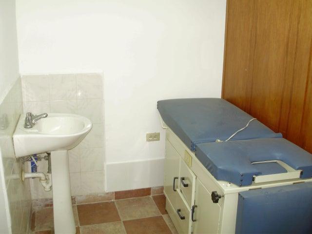 Oficina Miranda>Los Teques>Municipio Guaicaipuro - Alquiler:5.000.000 Bolivares Fuertes - codigo: 14-7924