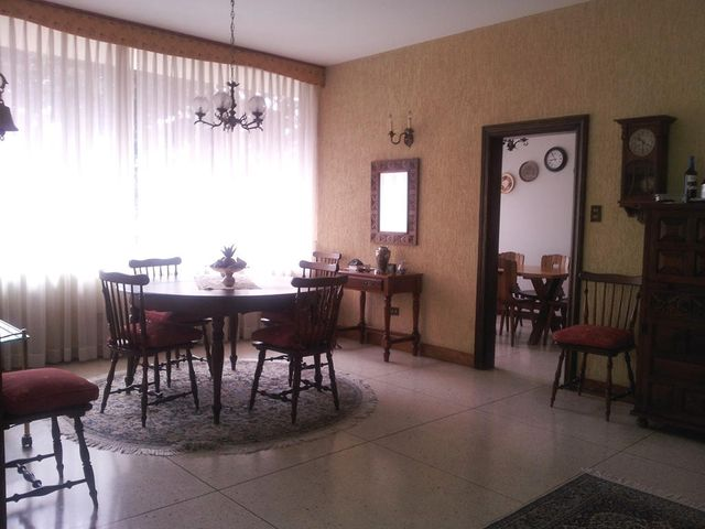 Casa Distrito Metropolitano>Caracas>Lomas del Club Hipico - Venta:285.969.000.000 Precio Referencial - codigo: 14-8034