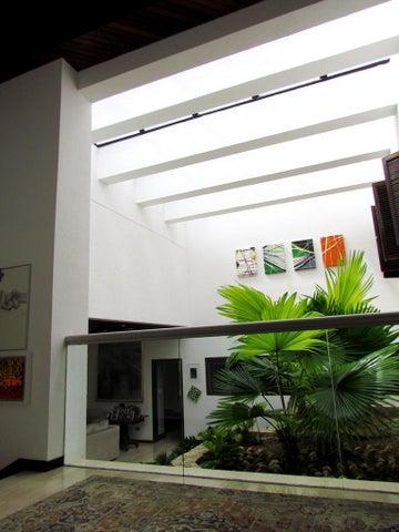 Casa Distrito Metropolitano>Caracas>Cerro Verde - Venta:575.571.000.000 Bolivares - codigo: 14-8031