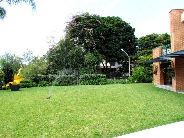 Casa Distrito Metropolitano>Caracas>Cerro Verde - Venta:1.600.000 Precio Referencial - codigo: 14-8031