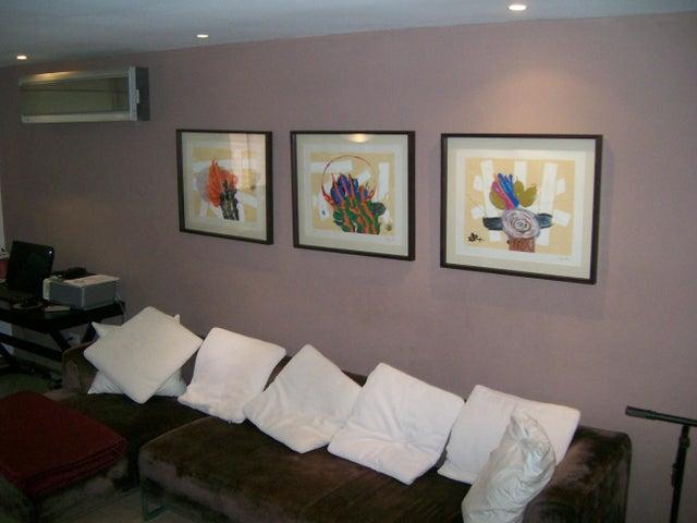 Apartamento Distrito Metropolitano>Caracas>La Tahona - Venta:80.580.000.000 Bolivares Fuertes - codigo: 14-8057