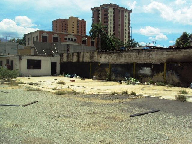 Terreno Aragua>Maracay>Zona Centro - Venta:580.189.000.000 Precio Referencial - codigo: 14-8087