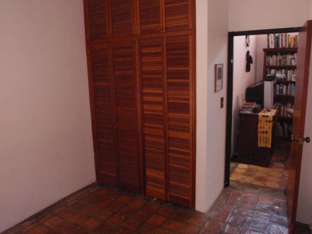 Casa Distrito Metropolitano>Caracas>Lomas de Monte Claro - Venta:38.400.000.000 Bolivares - codigo: 14-8079