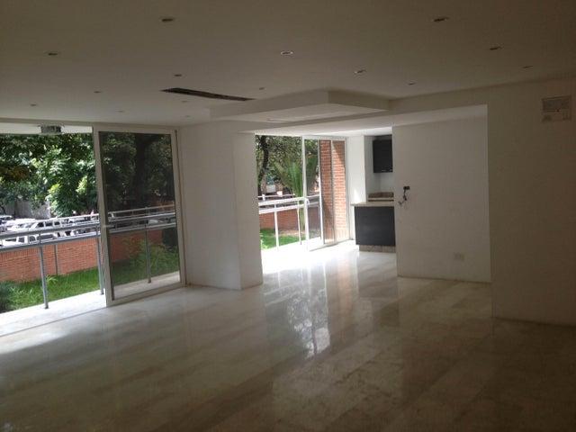 Apartamento Distrito Metropolitano>Caracas>El Rosal - Venta:126.626.000.000 Bolivares Fuertes - codigo: 14-8174