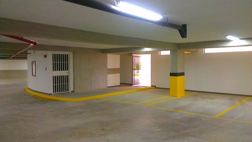 Apartamento Distrito Metropolitano>Caracas>Los Palos Grandes - Venta:855.016.000.000 Precio Referencial - codigo: 14-8196